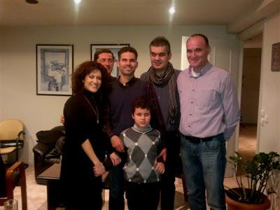 Ο Βαγγέλης Αυγουλάς με τους Ελεάννα, Παναγιώτη, Θανάση, Δάσκαλο, Γιάννη