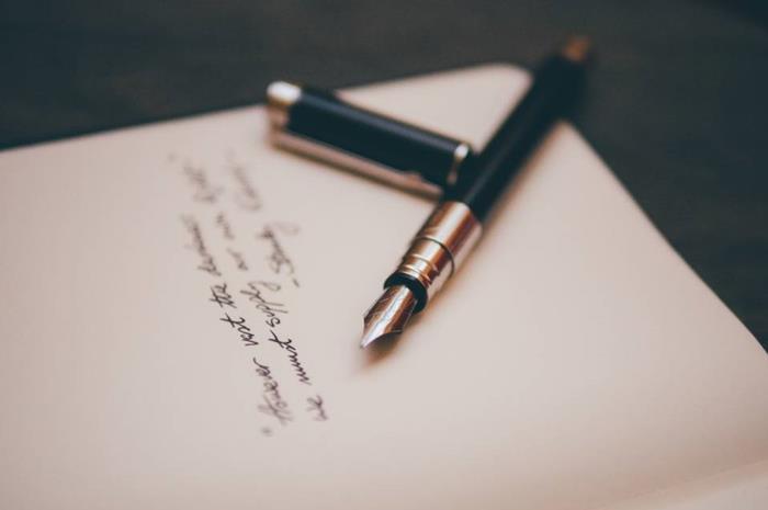 χαρτί επιστολής με πένα