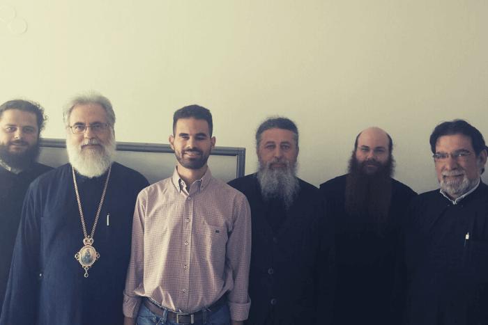 Ο Σεβασμιότατος Μητροπολίτης Αθηναγόρας με τον Αντιδήμαρχο Βαγγέλη Αυγουλά και ιερείς