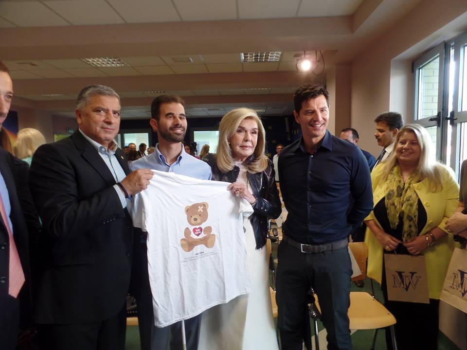 Ο Βαγγέλης με τον Γιώργο Πατούλη, τη Μαριάννα Βαρδινογιάννη και το Σάκη Ρουβά