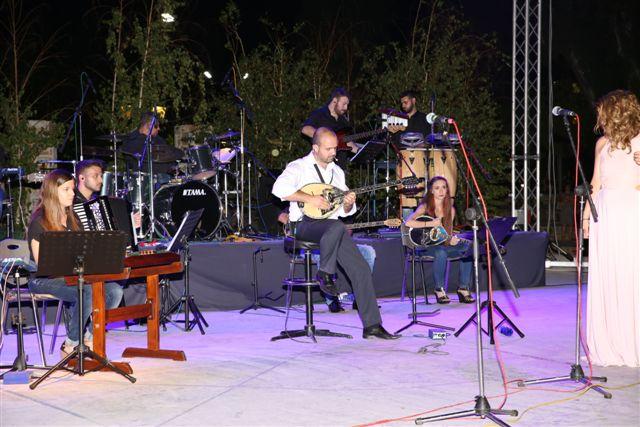 Ο Μαέστρος Γιάννης Γαβράς με την ορχήστρα των ονείρων