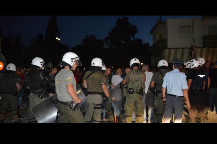 πολίτες και αστυνομία στη Χίο
