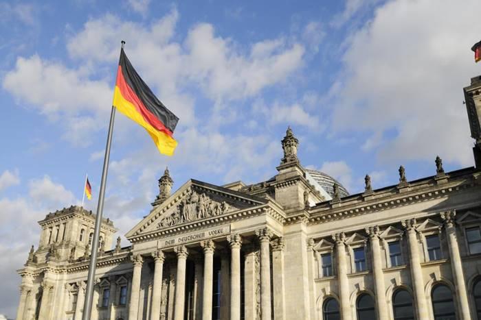 Βουλή Γερμανίας και σημαία Γερμανίας