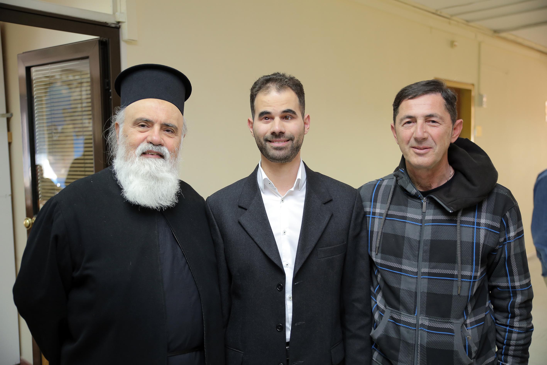 Ο Πρόεδρος με τον πάτερ και τον Αλέξη Γκλίνο