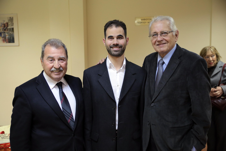 Ο Βαγγέλης Αυγουλάς με τον Δημήτρη Κωνσταντάρα και τον Γιάννη Τρραγάκη