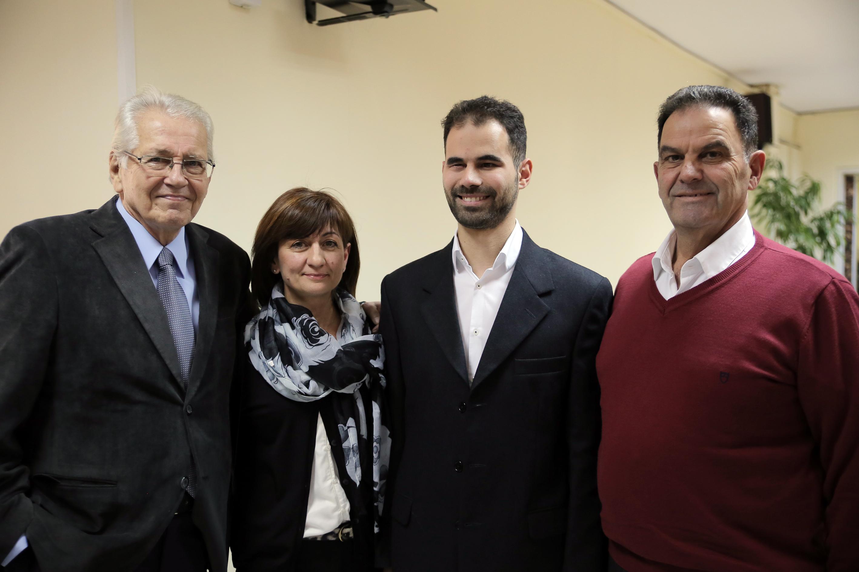 Ο Πρόεδρος με τους γονείς του και τον Δημήτρη Κωνσταντάρα