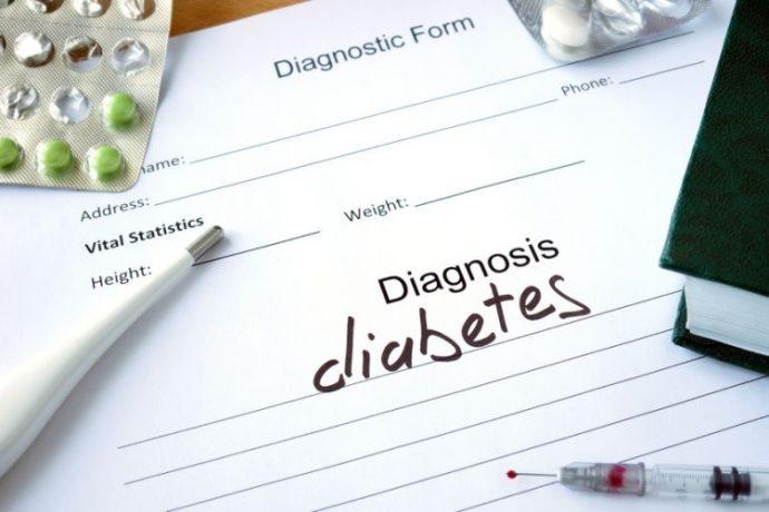 Χαρτί που γράφει Διάγνωση: Διαβήτης