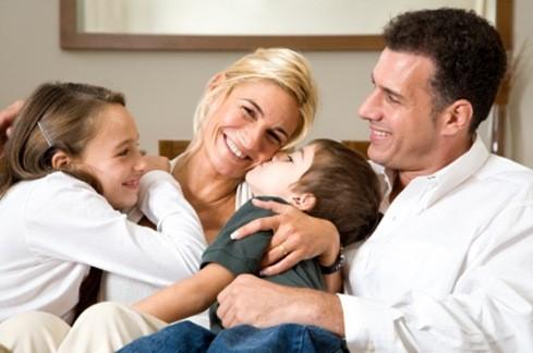 φωτογραφία οικογένειας 2 γονείς και 2 παιδιά