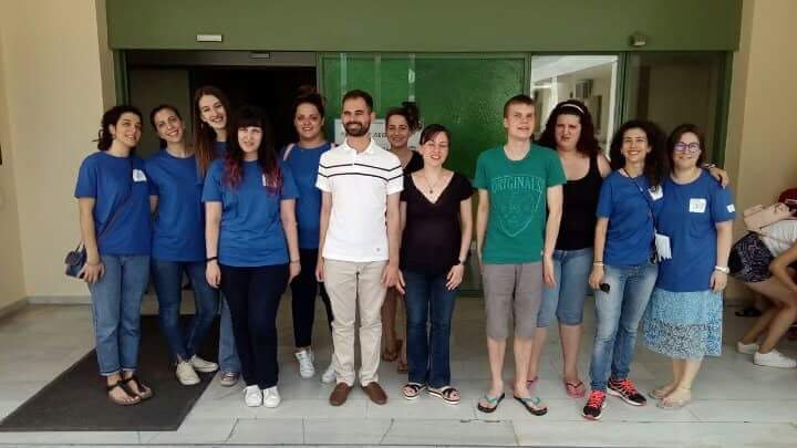 Ο Βαγγέλης Αυγουλάς με τους εθελοντές