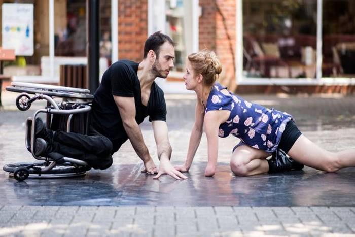 ζευγάρι χορευτών με αναπηρία