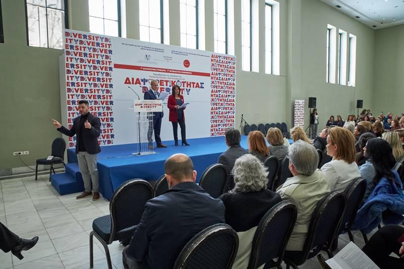Ο Γιάννης Πολίτης και η Πηνελόπη Γαβρά παρουσιαστές του Συνεδρίου