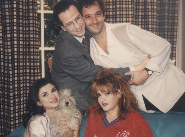 """""""Μεν και δεν"""" φωτογραφία με τους πρωταγωνιστές της σειράς"""