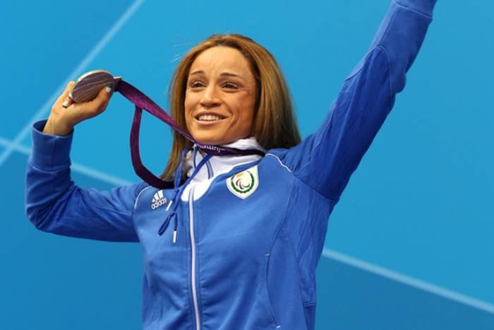 Η Καρολίνα Πελενδρίτου με μετάλλιο