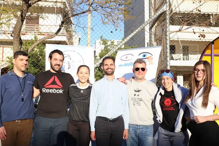 Ο Δημήτρης Αμπατζής, ο Δημήτρης Αλατάς, εθελόντρια, ο Βαγγέλης Αυγουλάς, εθελοντής, η Χρυσάνθη Γεωργαντά