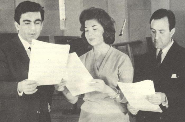 Δημήτρης Χορν, Άννα Κυριακού και Γιάννης Βογιατζής σε ραδιοφωνική ηχογράφηση θεατρικού έργου (1960)
