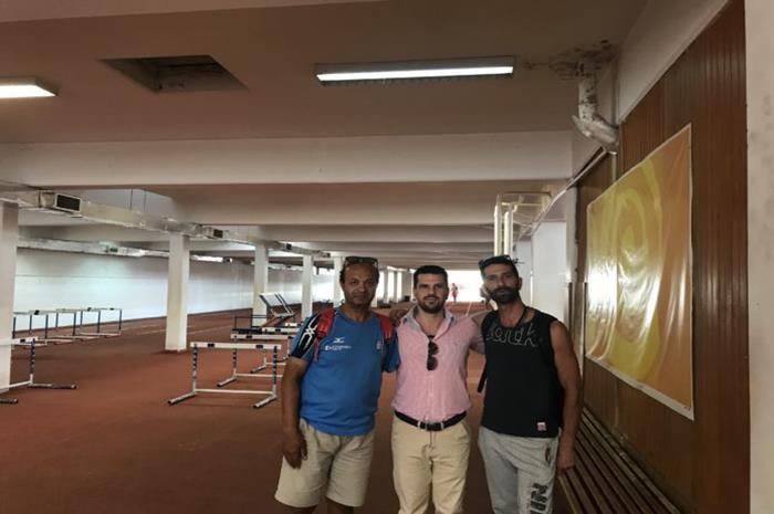Ο παραολυμπιονίκης κ. Γιώργος Τοπτσής και οι πρωταθλητές Βαγγέλης Λώνας, Χρήστος Καπέλας στο κλειστό γυμναστήριο του ΟΑΚΑ όπου πραγματοποιούν τις προπονήσεις τους