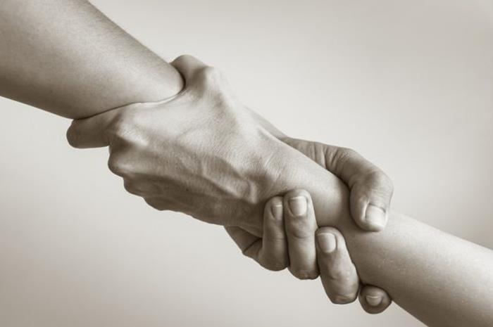 Δύο χέρια ενωμένα