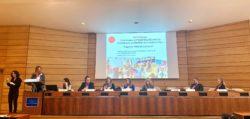 Το πάνελ της εκδήλωσης. Στο podium η κα Αθηνά Κρητικού – Ιδρύτρια και Πρόεδρος Δ.Σ. Σ.Κ.Ε.Π. Στο πάνελ από αριστερά: Η κα Μαρία Κοραντή – Αναπληρώτρια Μόνιμη Αντιπρόσωπος στη μόνιμη αντιπροσωπεία της Ελλάδος στην UNESCO, ο κ. Δημήτρης Νικόλσκυ – Προϊστάμενος «Ενίσχυσης Παιδιού με Αναπηρία», Υπουργείο Εργασίας & Κοινωνικών Υποθέσεων Ελλάδα, τέως Πρόεδρος της Επιτροπής για τα Δικαιώματα των Ατόμων με Αναπηρίες στο Συμβούλιο της Ευρώπης, η Dr. Ολυμπία Παληκαρά – Αναπληρώτρια Καθηγήτρια Εκπαιδευτικής Ψυχολογίας, Κέντρο Εκπαιδευτικών Σπουδών, Πανεπιστήμιο Warwick, η Dr. Έλενα Σουκάκου – Επίτιμη Εταίρος Έρευνας, Σχολή Παιδαγωγικών Επιστημών, Πανεπιστήμιο Roehampton, η κα. Διαμαντοπούλου – Πρέσβης, Μόνιμη Αντιπρόσωπος της Ελλάδας στην UNESCO, ο κ. Christophe Chantepy – Σύμβουλος Επικρατείας και τέως Πρέσβης της Γαλλίας στην Ελλάδα και η κα Florence Migeon – Συντονίστρια του Προγράμματος Ένταξης στην Εκπαίδευση της UNESCO.