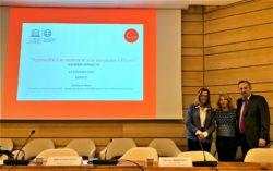 Από αριστερά: Η κα Αθηνά Κρητικού – Ιδρύτρια και Πρόεδρος Δ.Σ. Σ.Κ.Ε.Π., η κα Μαρία Διαμαντοπούλου – Πρέσβης, Μόνιμη Αντιπρόσωπος της Ελλάδας στην UNESCO και ο κ. Christophe Chantepy – Σύμβουλος Επικρατείας και τέως Πρέσβης της Γαλλίας στην Ελλάδα.
