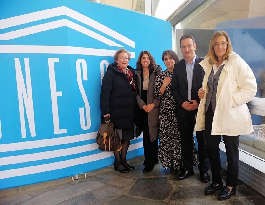 Οι συνεργάτες και τα στελέχη του Σ.Κ.Ε.Π. στην έδρα της UNESCO στο Παρίσ