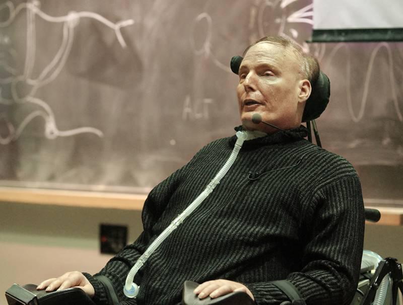 ο Christopher Reeve σε αναπηρικό αμαξίδιο