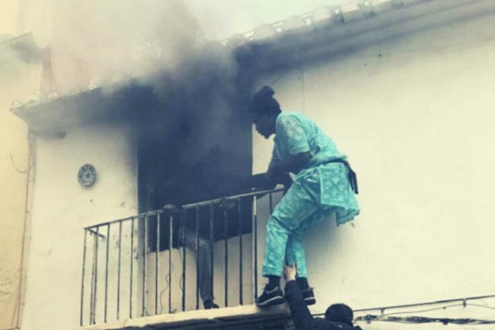 ο Γκόργκι Λαμίν Σόου μπαίνει να βγάλει ανάπηρο από τη φωτιά