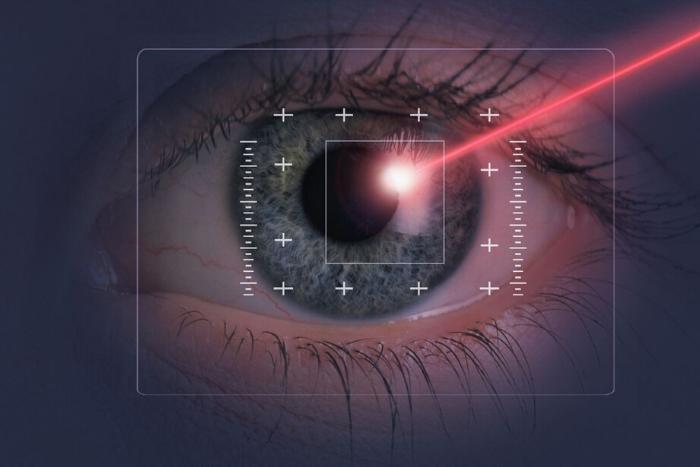 μάτι μέσα από μηχάνημα