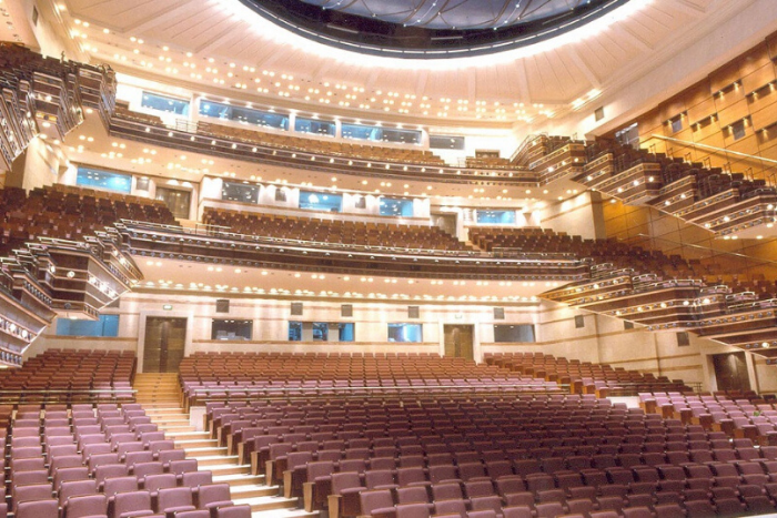 εσωτερικός χώρος του μεγάρου μουσικής αίθουσα