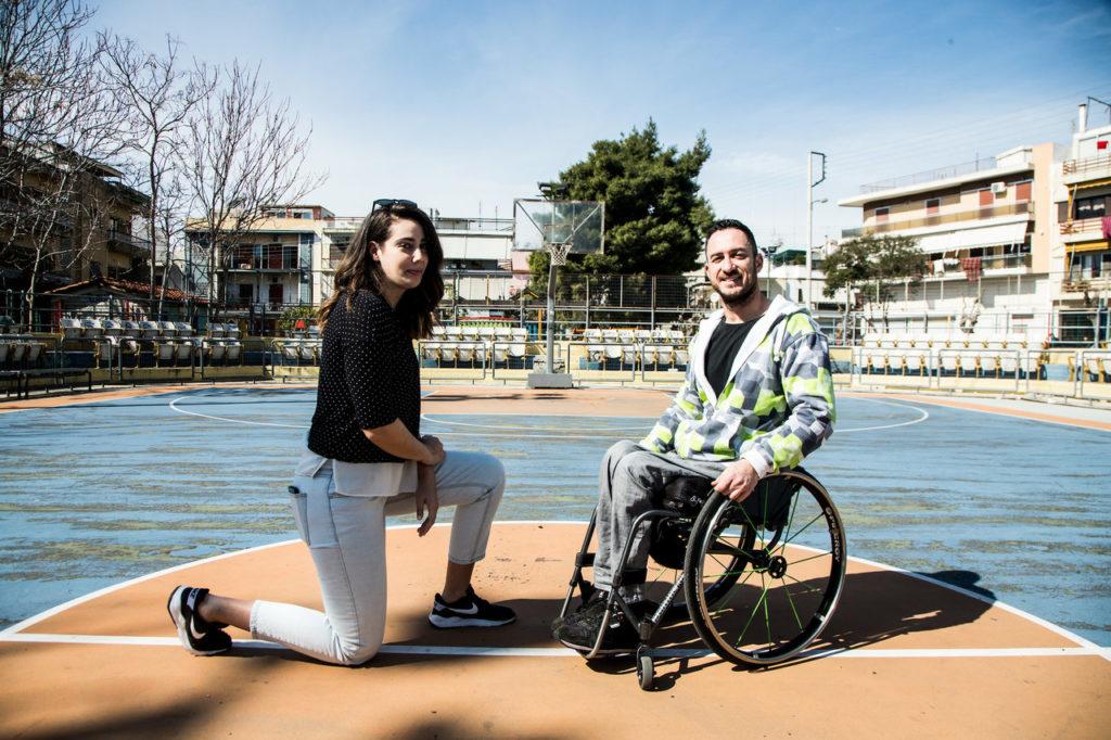 Ο Παναγιώτης Κοντογιάννης και η Ιωάννα χρονοπούλου συμπαίκτες στην ομάδα μπάσκετ με αμαξίδιο στον Παναθηναϊκό