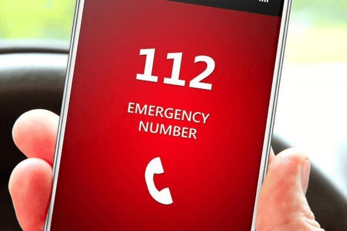 Κινητό που δείχνει κλήση στο 112