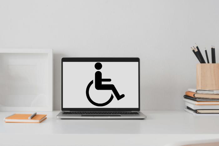 Φωτογραφία από λάπτοπ με αναπηρικό σήμα