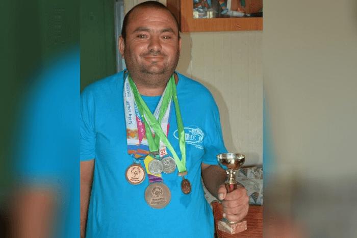 Ο Χρήστος Πάκος με μετάλλια