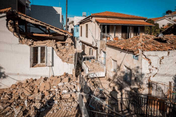 Παλαιό σπίτι στη Σάμο που έπεσε και σκοτώθηκαν τα δύο παιδιά