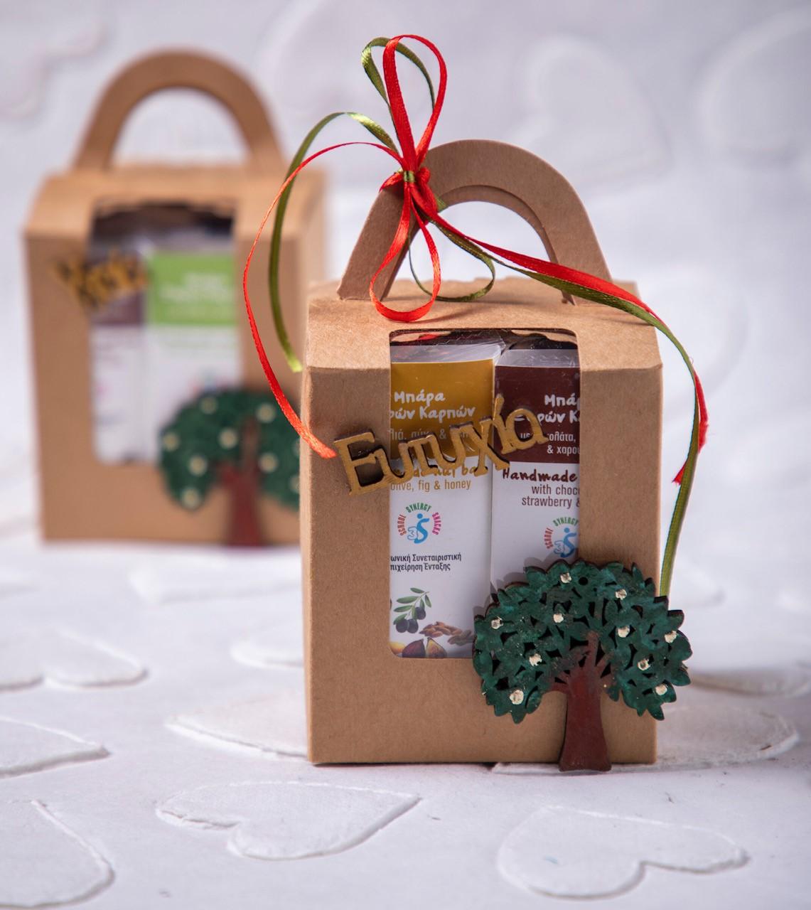 μπάρες δημητριακών σε χριστουγεννιάτικη συσκευασία
