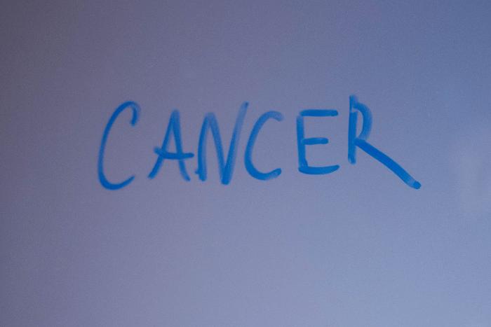 """Η λέξη """"cancer"""" Χειρόγραφα"""