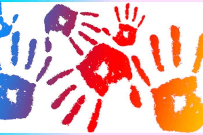 χρωματιστές παλάμες σαν σχέδια πάνω σε άσπρο φόντο