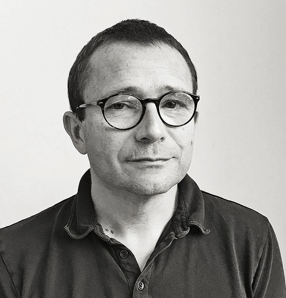 Ο καθηγητής Ιστορίας της Τέχνης στο Πανεπιστήμιο της Λιέγης και καλλιτεχνικός διευθυντής του Μουσείου Σύγχρονης Τέχνης Trinkhall, Καρλ Χαβελάνζε.