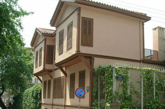 Το διώροφο σπίτι του Κεμάλ στην Αποστόλου Παύλου στη Θεσσαλονίκη