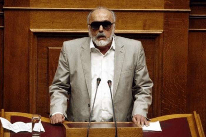 Ο Παναγιώτης Κουρουμπλής στη Βουλή μιλάει
