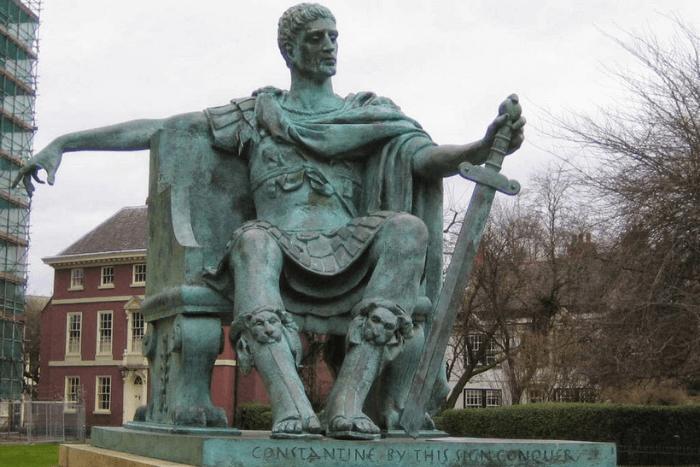 Άγαλμα του Μέγα Κωνσταντίνου