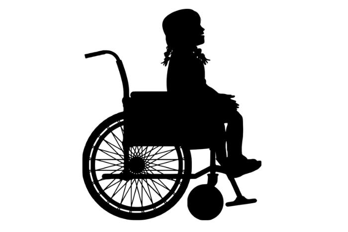 Μαύρο σκίτσο σε άσπρο φόντο, κορίτσι σε αμαξίδιο.