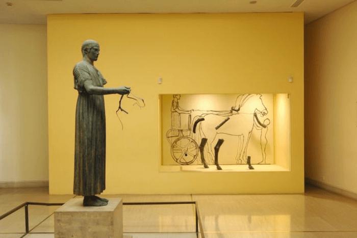 Γλυπτό στο Αρχαιολογικό Μουσείο Δελφών
