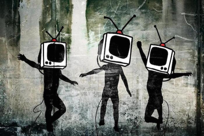 φιγούρες με τηλεοράσεις αντί για κεφάλια