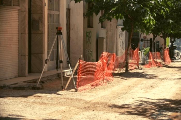 εργασίες σε δρόμο της Αθήνας, σκαμμένος δρόμος