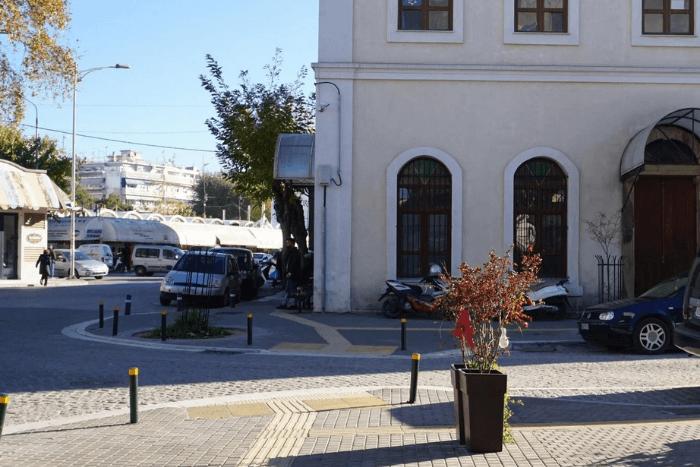 Ράμπες και οδηγοί τυφλών στο Εσκί Τζαμί